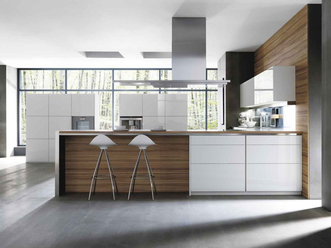 Cocina moderna GunniTrentino en laca blanca y madera de roble