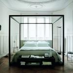 Ambiente de dormitorio con cama con dosel de Poliform