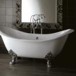 Bañera clásica exenta con patas barrocas Devon&Devon