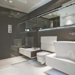 Baño con cabina de ducha integrada y almacenaje escamoteable de Falper