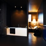 Baño moderno con grifería Savoy de Zucchetti