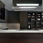 Cocina moderna en madera y piedra natural