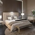 Dormitorio clásico  con cama diseño de Fendi Casa
