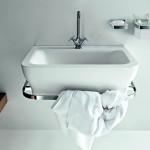 Lavabo con toallero incorporado