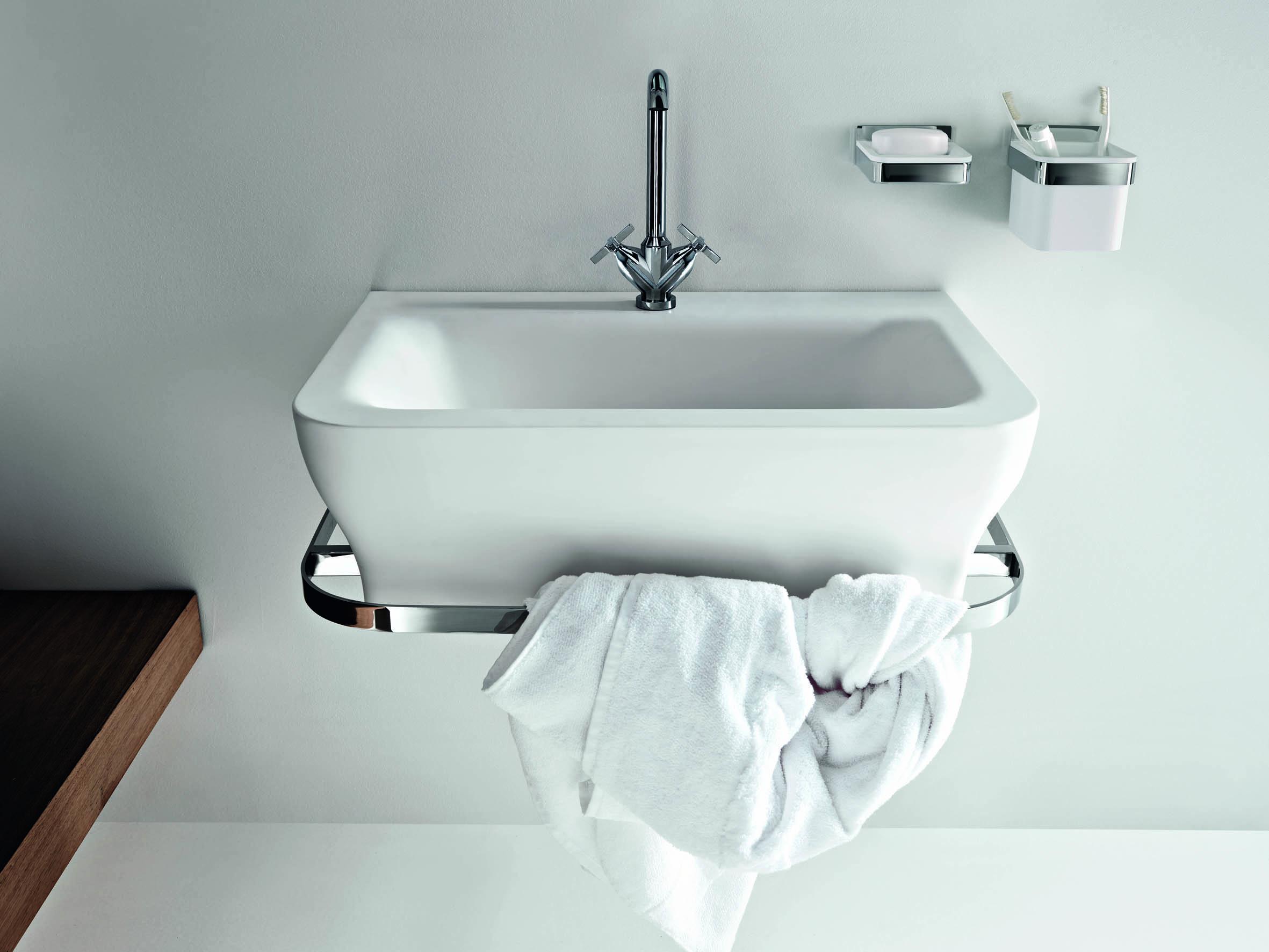 ... baño Agape · Lavabos modernos de la marca italiana Agape · Lavabo con  toallero incorporado ... 34a800c996b3