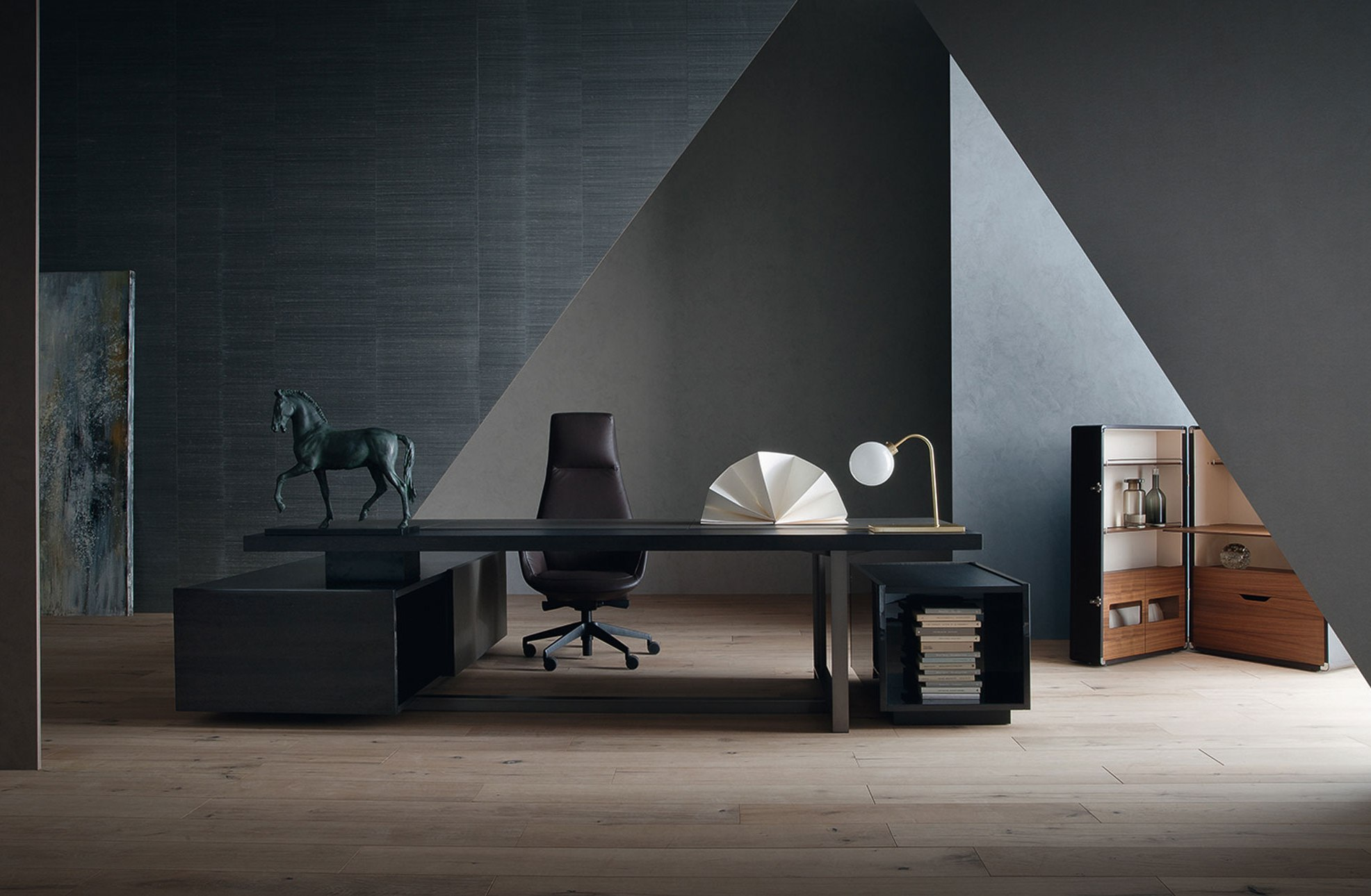 Muebles de dise o italiano para oficina poltrona frau - Muebles bano diseno italiano ...