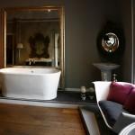 Propuesta de baño clásico con sofá Holly de Devon&Devon