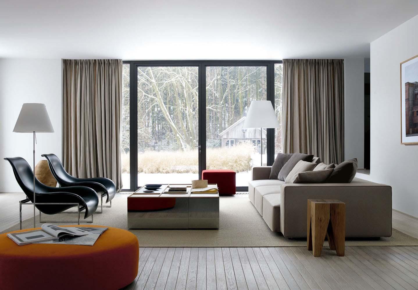 Salón moderno con mobiliario de B&B Italia