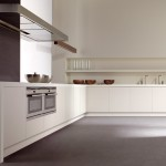Serie Seda Mate, cocina sin tirador de Gunni&Trentino, de líneas depuradas.