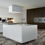 Suelos hidráulicos en patchwork y muebles de cocina modernos sin tirador