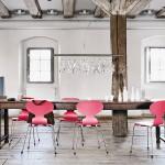 Comedor con las sillas Ant de Fritz Hansen