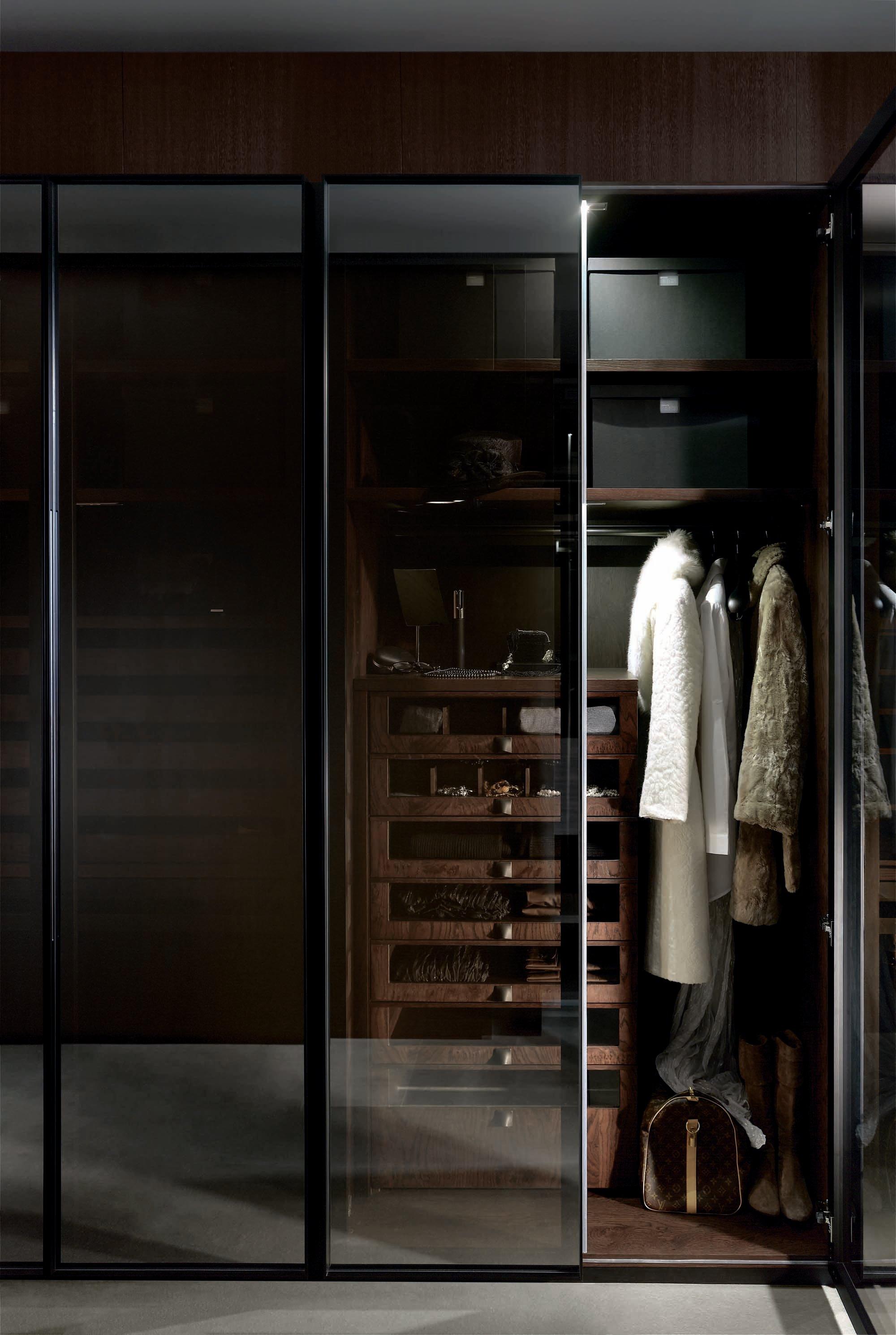 Marcas de puertas y armarios gunni trentino - Armario con puertas de cristal ...