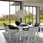 Comedor moderno con sillas Husk, de Patricia Urquiola para B&B Italia