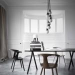 Comedor moderno de estilo nórdico con mobiliario de And Tradition