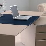 Escritorio en piel para despacho ejecutivo diseño de Lella&Massimo Vignelli