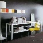 Funcional y elegante línea de mobiliario para despachos, estudios y oficinas de la marca B&B Italia