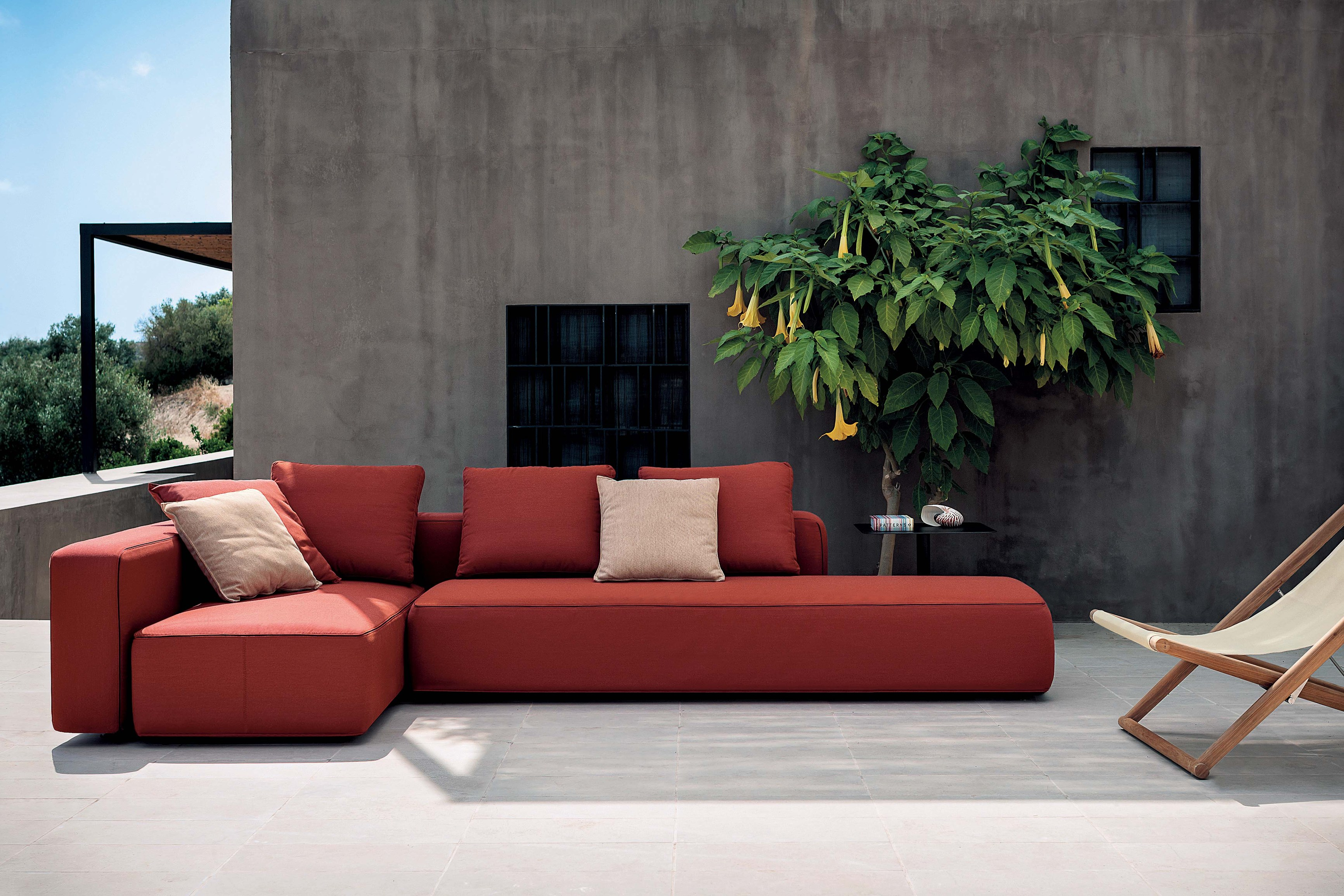 Mobiliario de exterior de las mejores marcas en gunni for Divani per terrazzi