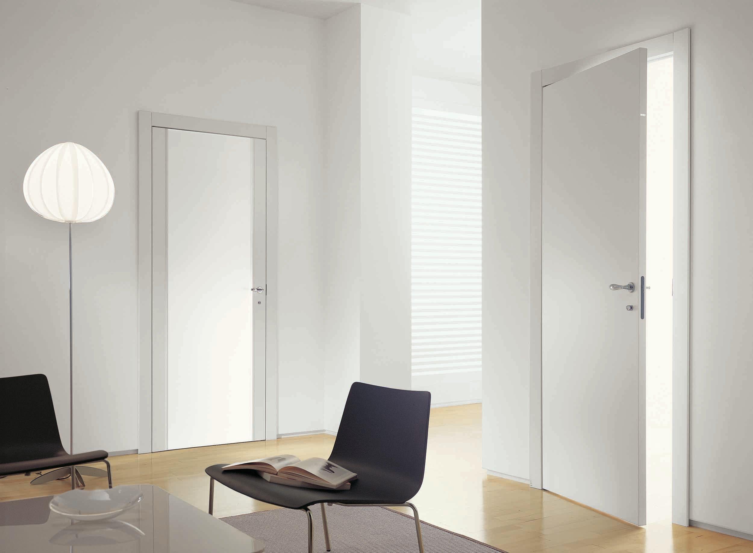Puertas modernas y cl sicas gunni trentino for Puertas batientes interior