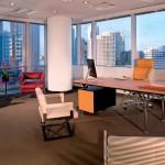 Mobiliario de dirección para despachos y oficinas de la marca Poltrona Frau