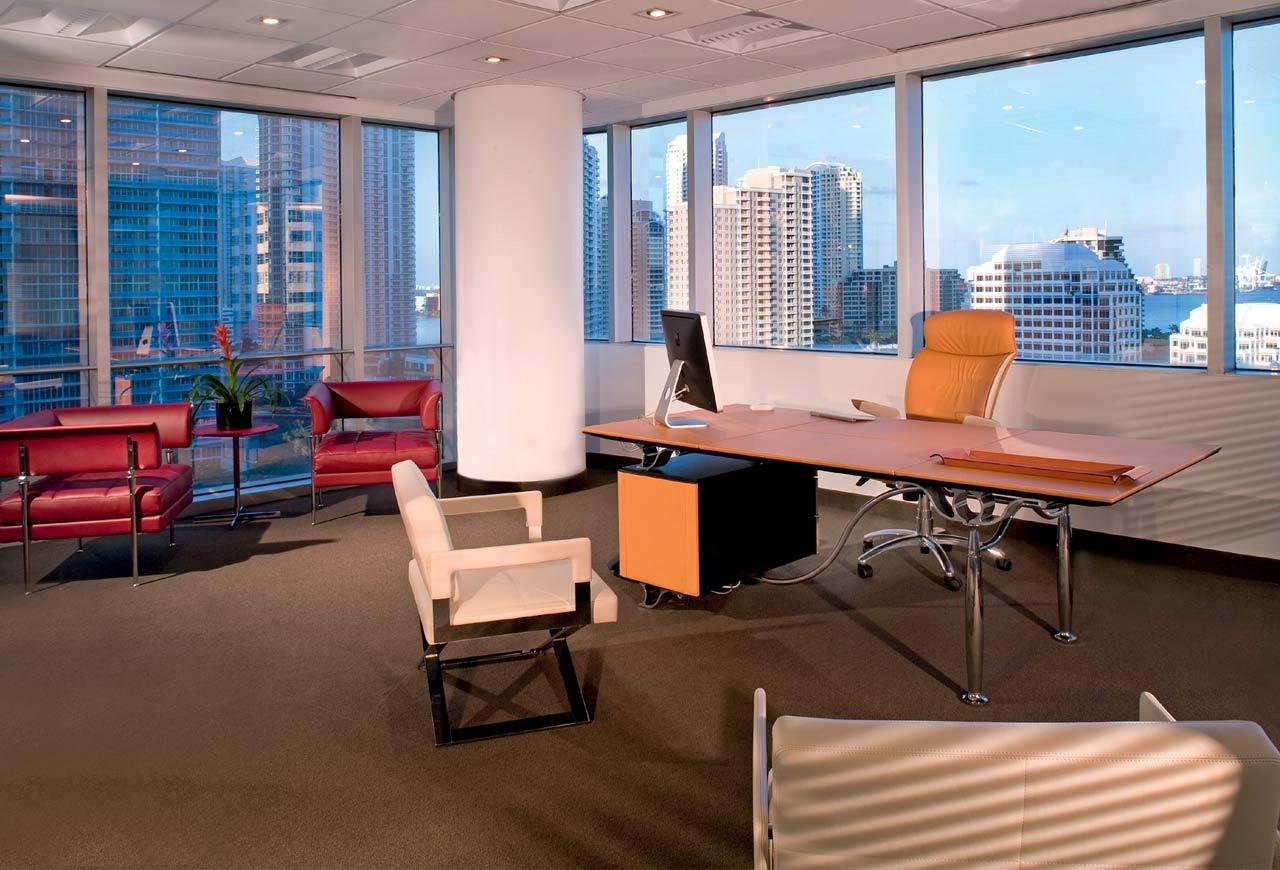 Mobiliario de oficina gunni trentino for Mobiliario para despachos