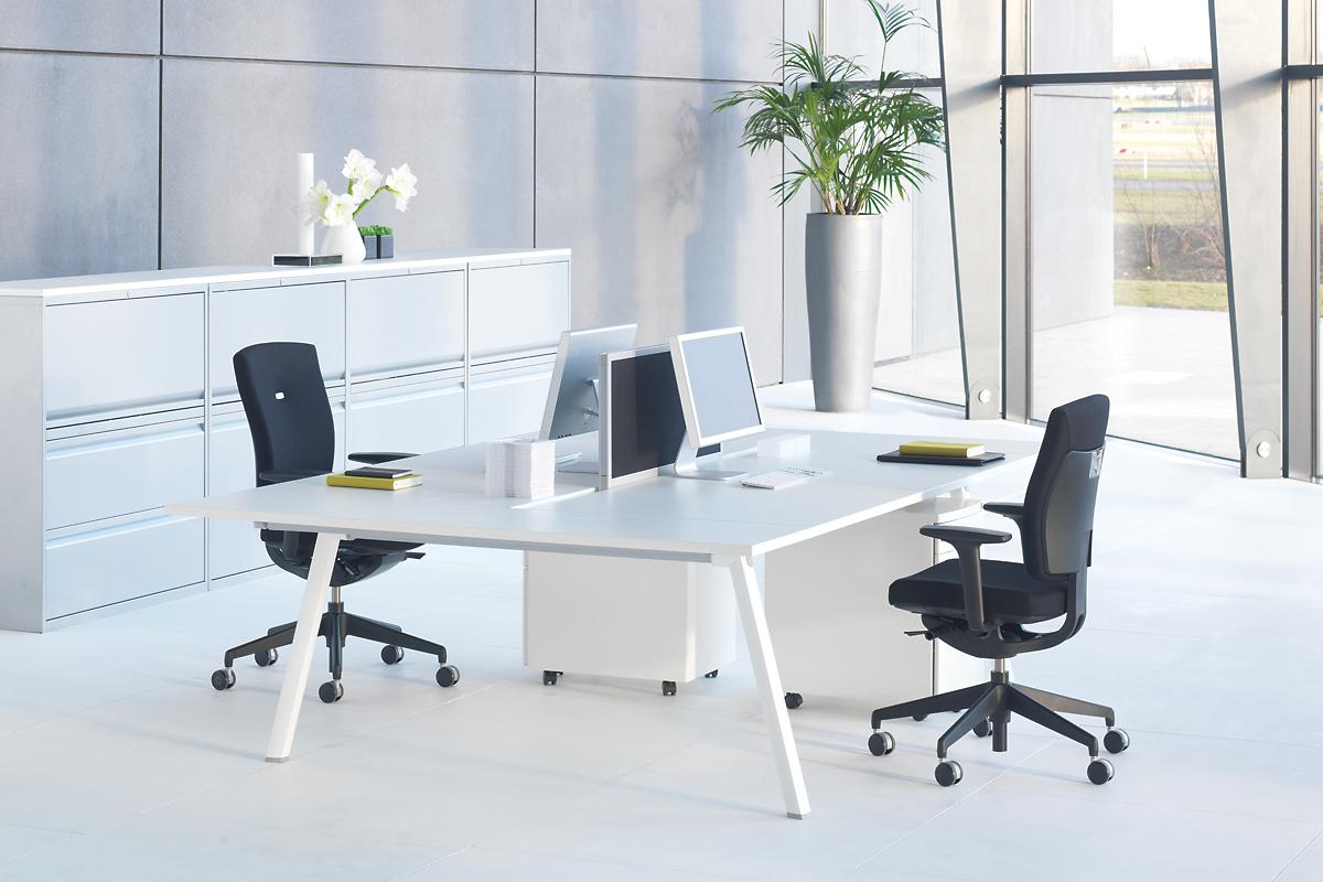 Mobiliario de oficina de dise o y moderno en gunni trentino for Mobiliario de oficina moderno