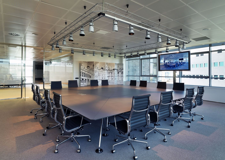 Mobiliario de oficina de dise o y moderno en gunni trentino for Diseno de muebles de oficina modernos