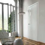 Puerta batiente lacada en blanco brillo
