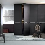 Puertas de armario con tiradores metálicos horizontales
