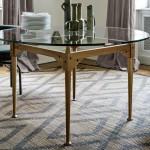 Silla LC 7 en cuaero negro y mesa en madera de Cassina