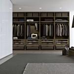 Sistemas de almacenaje y puertas para armarios y vestidores