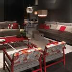 Sofás y butacas modernos con mesas de centro lacadas