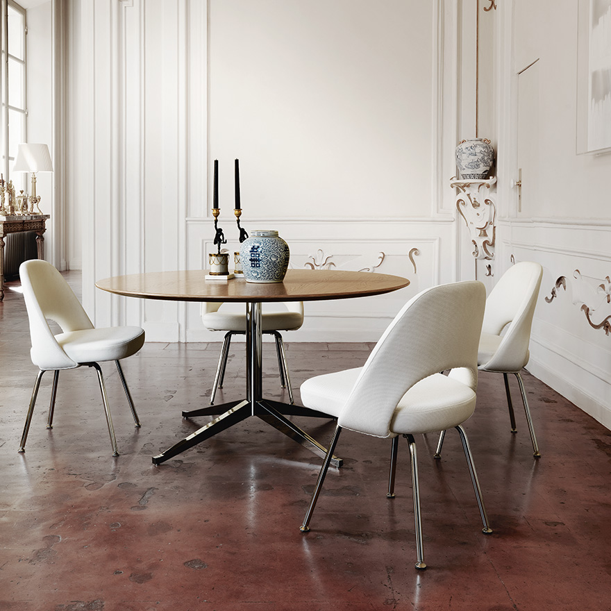 florence-knoll-table-desk-saarinen-executive-armless-chair