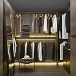 Vestidor abierto con iluminación LED