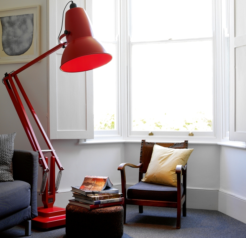 newsletter giant anglepoise