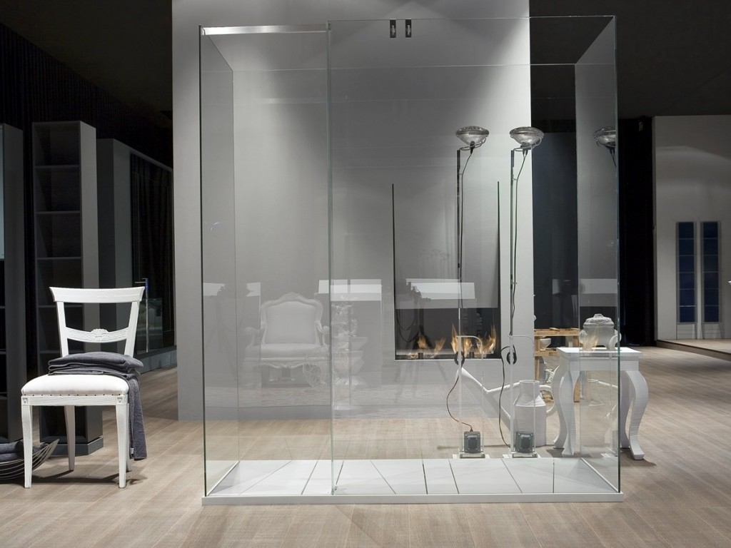 CAbina de ducha independiente de vidrio templado modelo Isola de Antonio Lupi