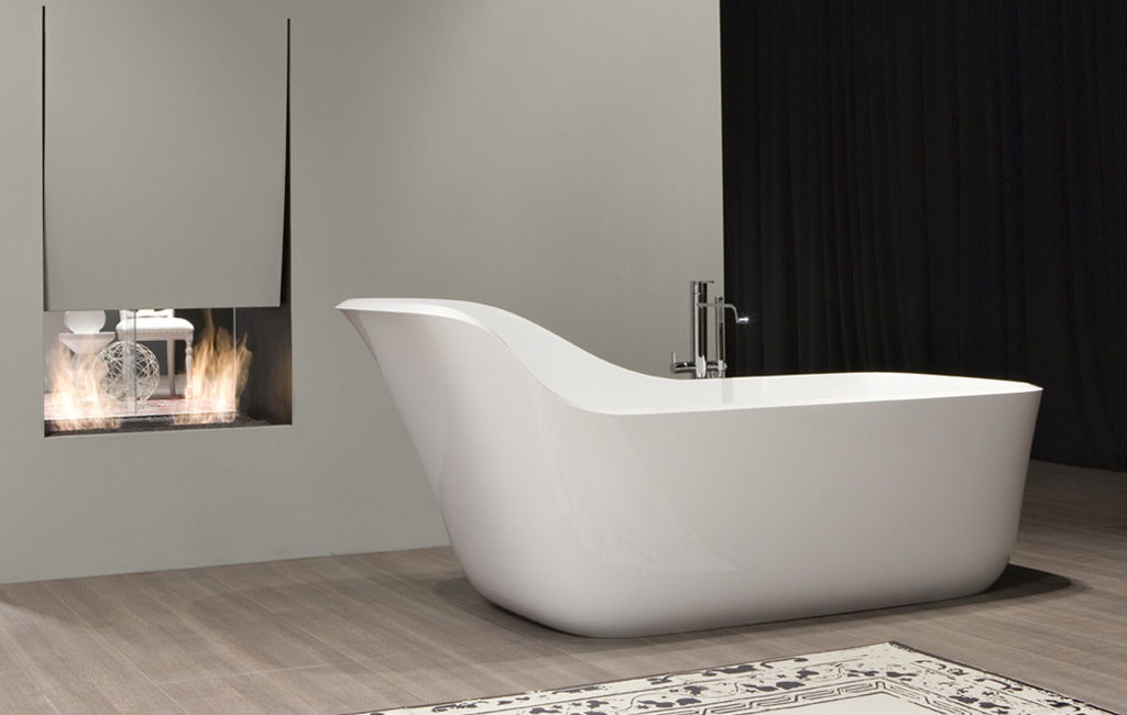 Rectangular bathtub