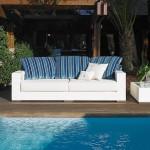 Sofás, mesas y poufs de exterior de Fendi Casa