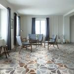 Ambiente de salón estilo vintage con suelos cerámicos de Refin