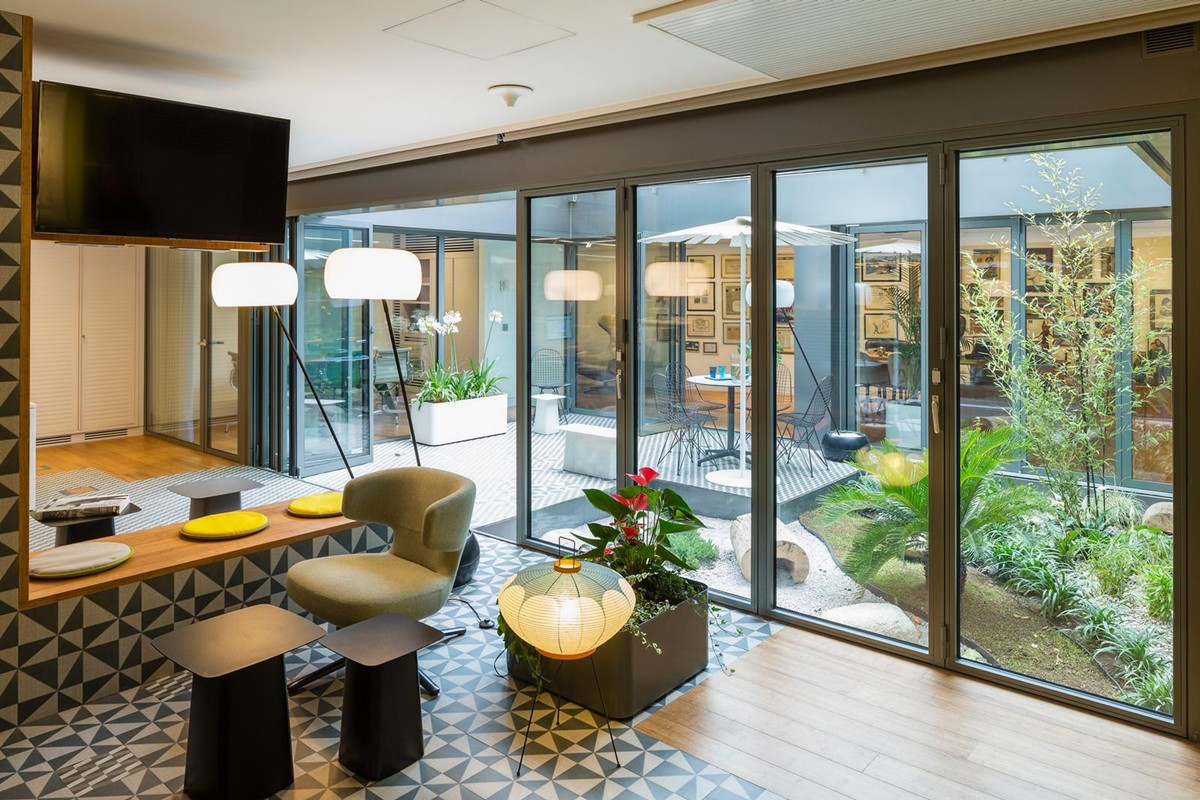 Muebles de oficina para interiorismo gunni trentino for Proveedores de muebles de oficina