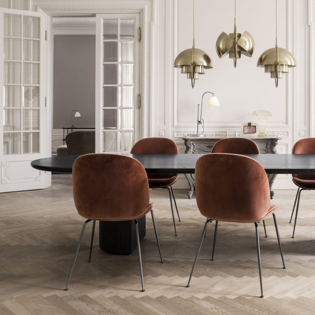 muebles de Gubi en gunni trentino