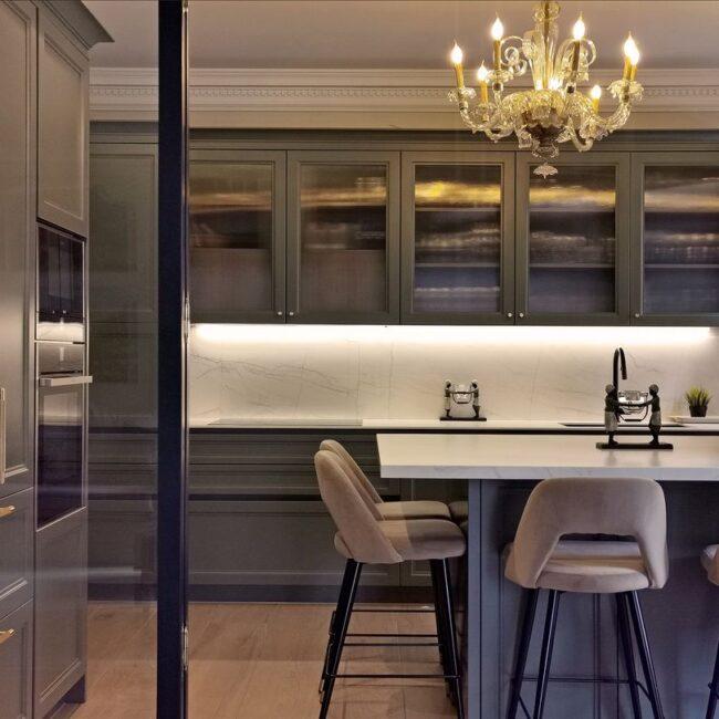 Un proyecto de decoración de lujo clásica y contemporánea en Madrid